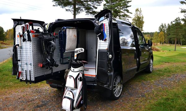 Spana in bilen som alla golfnördar vill ha