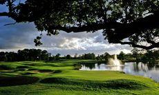 Fotbollsprofilen ger sig in i golfresebranschen