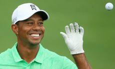 Tiger Woods sedd med TaylorMade-utrustning